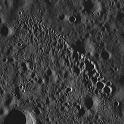 Crater_chain_3