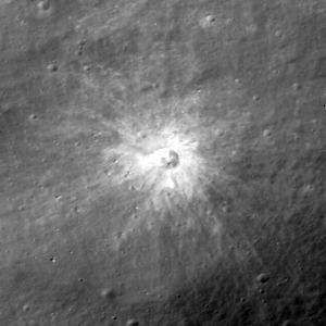 Fresh_crater_1