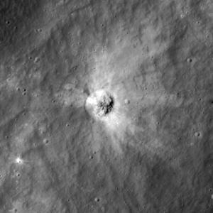 Fresh_crater_2