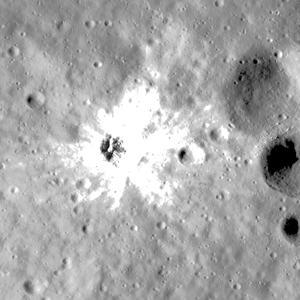 Fresh_crater_3